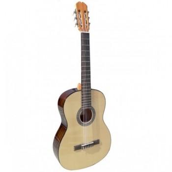 Admira Sara Guitarra española