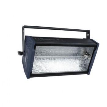 SHOWTEC TITAN STROBE BLAZE 1500 W + RGB